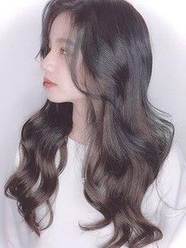 クラン ヘアーアンドスタジオ(CLAN hair & studio)の写真/白髪で悩みがない人はいません!明るめのトーンでのカバー・ツヤ感が欲しい方におすすめです。