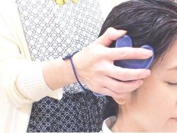 サクラヘアー(SAKURA HAIR)の写真/美巡かっさがとにかくオススメ!肩から上のリンパを流しむくみや肩こりを解消♪[美巡かっさヘッドスパ¥4000]