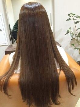 ヘアーハルレ(HAIR halre)の写真/【艶やかで手触りの良いストレート】クセ毛対策に◎気になるボリュームやうねりのお悩みを解決♪