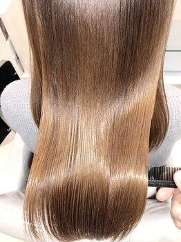 アッシュ 銀座店(Ash)の写真/くせ毛やうねりの原因は毛穴にあるんです!丁寧なカウンセリングでお客様に合わせたヘアケアMENUをご提案!