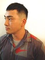 クロップナチュラルフェード黒髪短髪