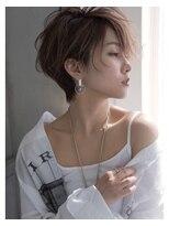 シーンエスト(sCene EST)☆sCene☆ 前髪に重心を置いたショートスタイル. 下防