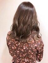 エルパティオ(EL PATIO)春髪 ピンクパープル×インナーカラー 波巻きミディ
