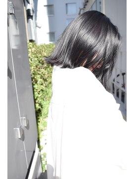 サイ(sai)【sai】透ける暗髪グレー
