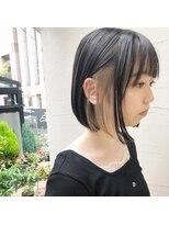 黒髪ボブ×ベージュインナーカラー/ハイライト/ミニボブ