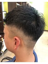フェード 短髪 刈り上げ メンズカット