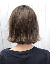 ウィッシュ ヘアー(Wish Hair)グレージュカラーボブ