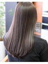 ヘアメイク リザ(hair make Liza)モノトーン