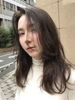 アカミー(AKAMEE)【センターパートの長めバング】 外国人風ニュアンスロング♪