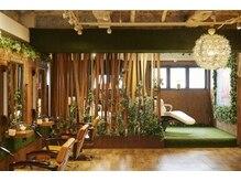 アシュリー(ashuley)の雰囲気(7階は緑とウッドが基調の癒し空間☆ゆっくり落ち着けます♪)