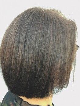 ハピス 英賀保店(Happis)の写真/大人女性の髪と頭皮に優しいグレイカラーをご用意♪カット技術も高いからミセスの上品ショートもおまかせ!