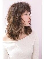 アンヘアー(UNHAIR by shiomiH)ふんわりカジュアルミディアムウェーブ