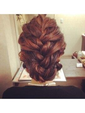 結婚式 髪型 編み込みヘアアレンジ