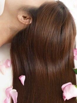 アクアスヘアーデザイン 廿日市店(AQUAS hair design)の写真/リーズナブルにエイジングケアが叶う…思い立ったときに通いやすく、染めるたび美しさが増す仕上がりに♪