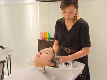 リュクスプラス(luxe+)の写真/頭皮改善で健康的な輝く美髪へ☆ディープクレンジングをした上で頭皮の保湿や栄養を与え、土台を整えます!