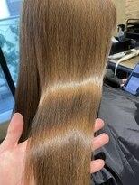 サロンドミルク 原宿(salon de MiLK)ナチュラルハイトーンベージュ 艶々トリートメント 髪質改善