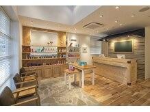 パイレーツ(Pirates Ushiwakamaru Style)の雰囲気(西海岸リゾートをイメージした店内♪)