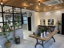 アリレイナ美容室 東逗子店(ARIREINA)の雰囲気(窓が多く明るい店内となっております。コロナ対策もバッチリ。)