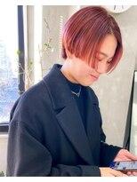 テトヘアー(teto hair)ぱっつんオレンジのハンサムショート 赤髪 オレンジカラー