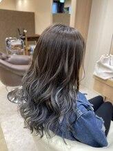 ヘアサロンアンドヘアメイクディー(hair salon hair make D)ブルーアッシュグラデーション