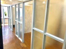ルレイル(reir)の雰囲気(全室個室のシェアサロンです。ゆったりとした空間を演出します。)