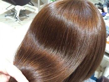 ヘア ラボ シュプール(hair labo SPUR)の写真/【オイルグロスカラー取扱】デザインカラーにもグレイカラーにも対応できるカラーで理想の透明感叶えます☆