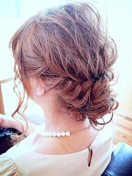 """アレッタ ヘアーリビング(ALETTA hair living)の写真/プロのヘアセットで結婚式や二次会…etc特別な日にワンランク上の""""上品さ""""と360°可愛いStyleを演出―♪"""