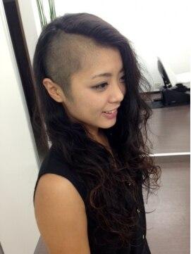 マクロヘアー(macro hair)大胆ツーブロック