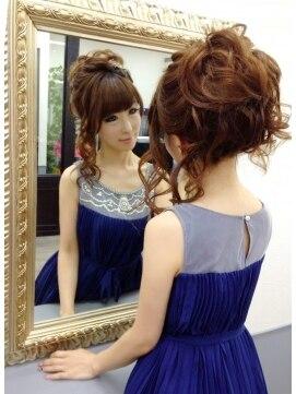 結婚式 髪型 ロングヘアアレンジ ルーズアップ