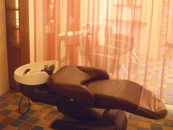 ウォーム(warm)の写真/半個室のプライベート空間♪豊富な種類から選べるスパ!オリジナル,プレミアムスパは潤いたっぷりミスト付♪