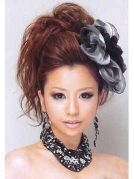 結婚式の髪型(ヘアアレンジ)  ポンパで盛り髪☆