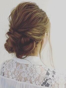 ジョリヘアー(joli hair)の写真/プロの技術で1日中崩れない可愛いアレンジお任せください☆いつだって女性らしさを大切に―。