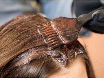 ヘアーサロン オルゴーリオ(Hair Salon Orgoglio)の写真/【藤が丘】刺激の少ない薬剤を使用して頭皮にも優しい!グレイカラーはもちろん白髪カバーまでしっかり対応!
