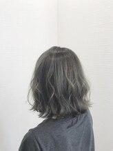 ミミックヘアー(MiMic hair)【寒色革命】切りっぱなしボブ+グレーアッシュ【桐生/桐生市】