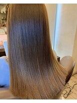 アールサロンプラスキャスパ 恵比寿(Rrsalon+CASPA)美髪プラチナミネコラトリートメント