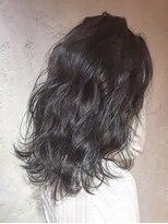 オーブ ヘアー アオヤマ 青山店(AUBE HAIR AOYAMA)ほつれ感がかわいいパーマスタイル