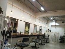 フランク 伊丹店(i's FRUNC)の雰囲気(ゆったりしたスペースでお待ちしてます。)