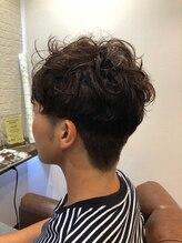 ヘアー サロン アットシュシュ(Hair Salon At'shushu)メンズに小顔補正立体カットとパーマ♪