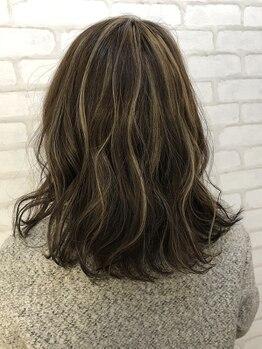 """ヘアーアンドラッシュ ジーナ(Hair&Lash Jiina)の写真/大人女性の""""なりたい""""をJiinaのカラーで叶える!今までにない艶&質感の「美髪スタイル」ならお任せ♪"""