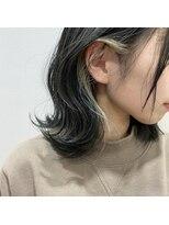 アッシュタカサキ(ash takasaki)20代30代★大人耳掛け☆無造作カール×インナーカラー