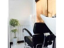 エデン ヘアーアンドヒーリング(EDEN Hair&Healing)の雰囲気(半個室のシャンプーブースで癒されます)