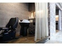 タジサスヘアー(TAJISAS HAIR)の雰囲気(癒しを提供する半個室のYUMEシャンプースペース)