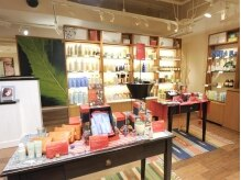 アローズ アヴェダ 札幌PARCO店 HELLO'S AVEDAの雰囲気(道内初★AVEDA体験型ショップスペース)
