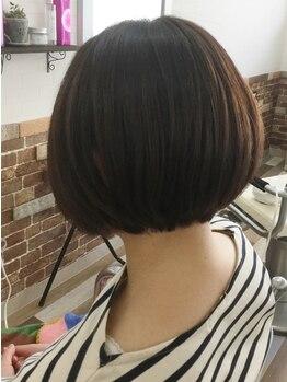 ヘアー エスペ(Hair Espe)の写真/【飾磨★旧アメ村】高い技術でシルエットが綺麗なショート・ボブを実現!再現を考慮したスタイルに◎