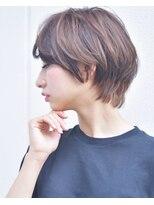 キアラ(Kchiara)似合わせショート/ハニーヘア