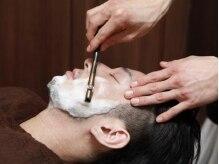 ルッソ ヘアーアンドヒーリングサロン(LUSSO hair&healing salon)の雰囲気(羽根で撫でられている様な心地よさ♪シェービングは女性にも人気)