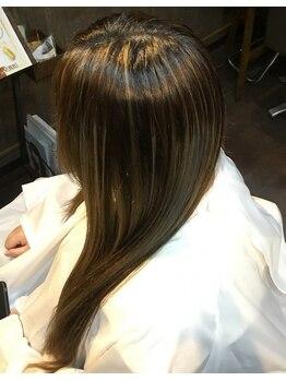 エミテム(EMITEM)の写真/【プリベンションシステム採用】一人ひとりに合わせ薬剤を調合。頭皮から髪の事まで徹底したこだわり◎