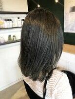 アミィヘアー(Ami Hair)暗髪ブルーグレージュ×ミディアムストレート