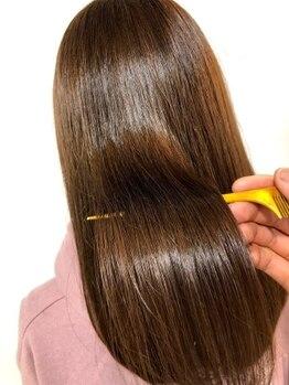 フィーカ(FiiKA)の写真/クセの種類で使い分ける限りなくダメージレスな縮毛矯正が大人気!ホームケアもしっかり教えます!