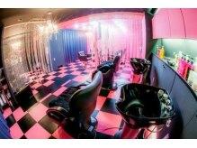 リミックス(REMIX by Love hair KING OF PRINCESS HAIR&EXTENTION)の雰囲気(エレベーターが開けばショップのような店内と重低音で異空間★)